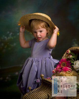 Шаблон для фотошопа-Девочка в шляпе с куклой