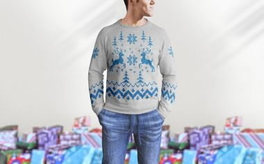 Mockup - Man wearing Sweater